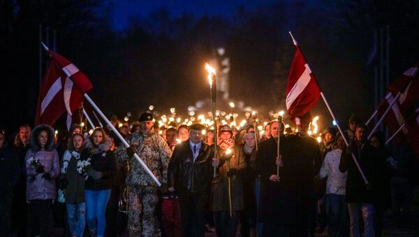 Факельное шествие в Риге - Sputnik Латвия