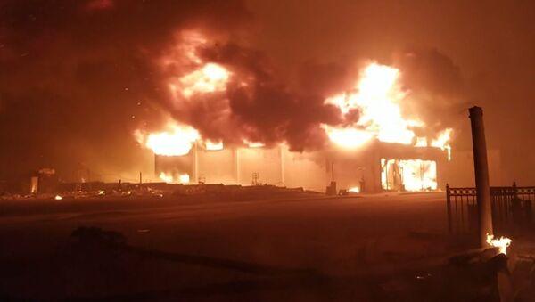 Не мог дышать, глаза не видели: очевидец о пожаре в Калифорнии - Sputnik Latvija